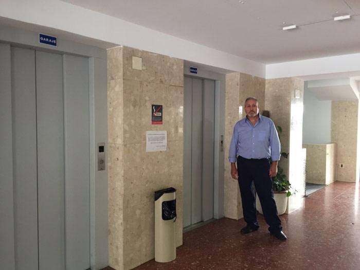 Conserje en edificio de Valencia
